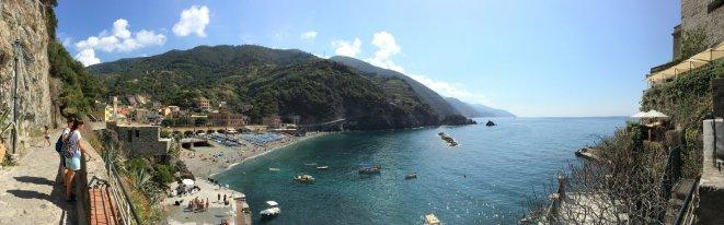 De baai van Monterosso
