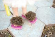 make hairy hobbit feet flip