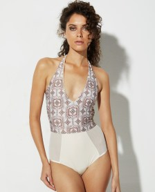 TEMPTING ONE PIECE