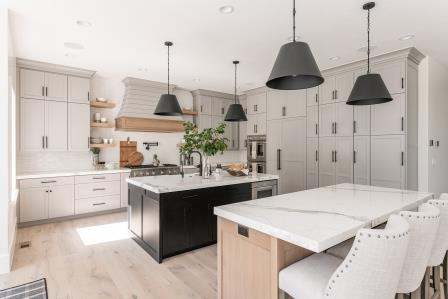 Magnifica® Porcelain 2cm countertop in Statuarietto polished Photo: Photographer: Rebekah Westover | Designer: Remedy Furniture and Design | Builder: RC Dent Construction