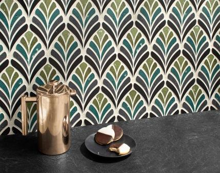 Margot, a waterjet mosaic shown in honed Orpheus Black and polished Nero Marquina with Olive and Ivy Glazed Basalto™.