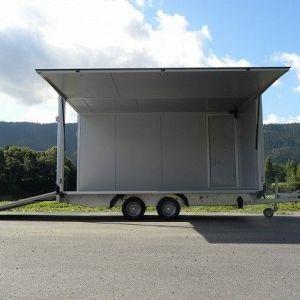 Isolert skaphenger med rampe luke og sidedør fra tyske Humbaur 3 dører åpne