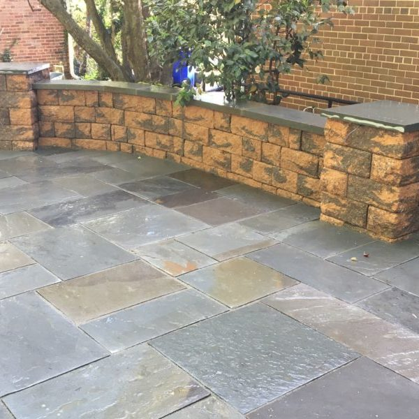 Standard paver wall with Pier and flagstone cap