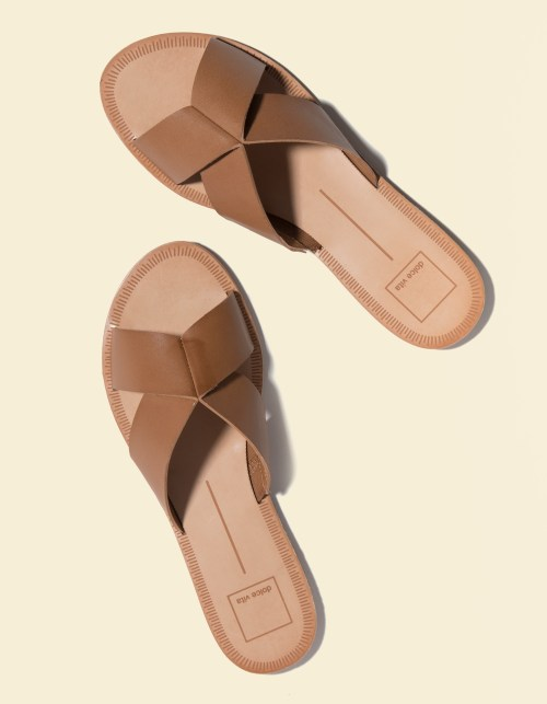 Dolce Vita Chaia Caramel sandals feature crisscross straps and open toe, a perfect addition for your summer outfits.