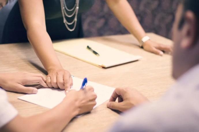 verlagsvertrag prüfen autorenvertrag