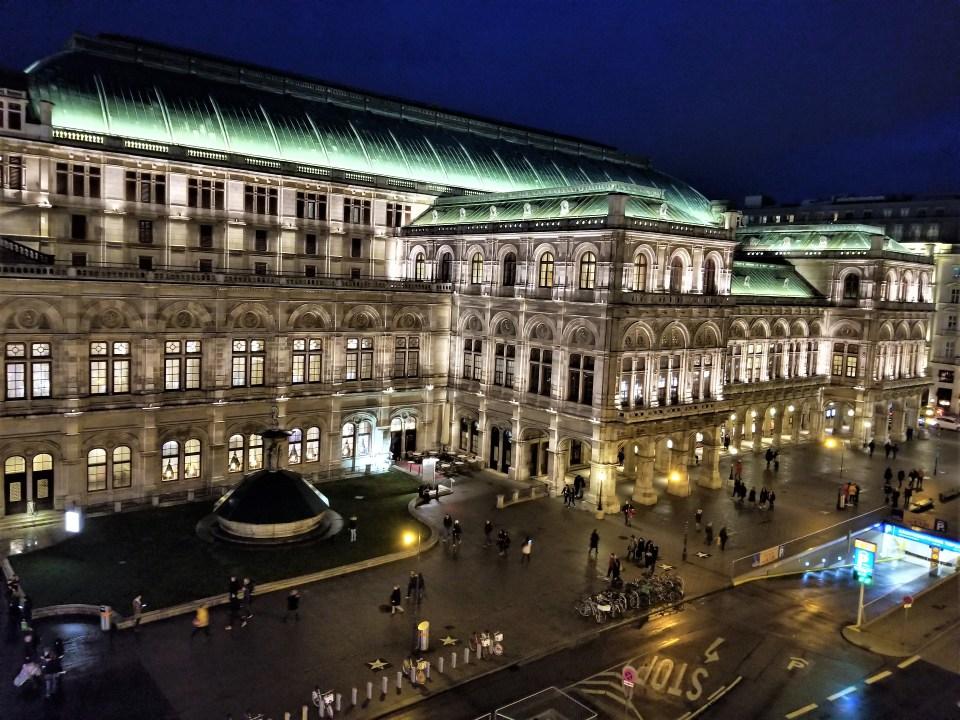 The Wiener Staatsoper / Vienna State Opera House.