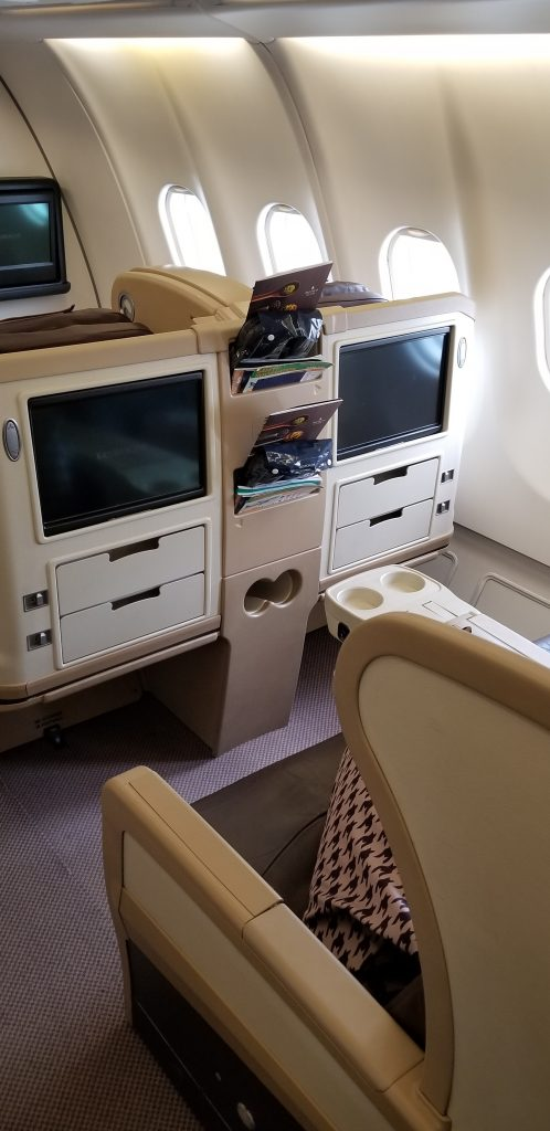 Singapore Airlines SQ 972 Business Class to Bangkok