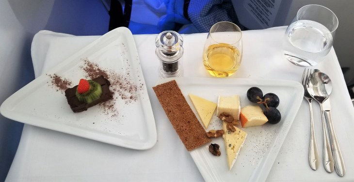 """Catering on Austrian Airlines - Cheese and """"Exotic Fruits"""" from the Trolley"""