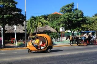 Oder lieber die kleine Knatterkugel aka Coco Taxi?