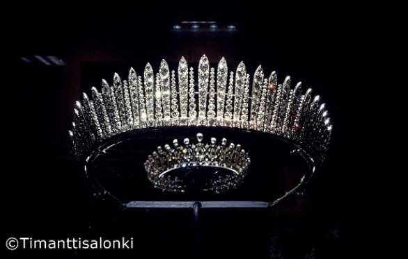 Fife fringe tiara_2