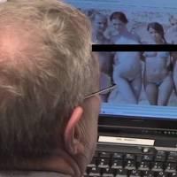 Senador apanhado a ver imagens de mulheres nuas