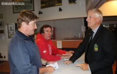 Vaughan O'Shaughnessy, Stu Piddington (Timaru Herald) and Murray Roberts chat pror to the meeting.