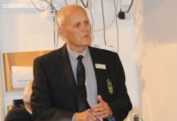 Immediate past president, Russell Leech, addresses the AGM