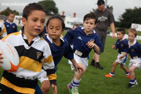 Junior Rugby Kicks Off 00397
