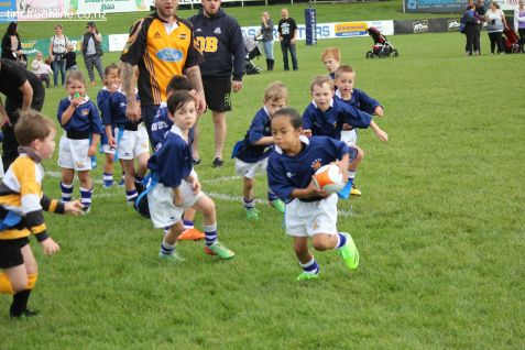 Junior Rugby Kicks Off 00416