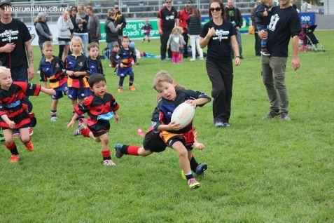 Junior Rugby Kicks Off 00529