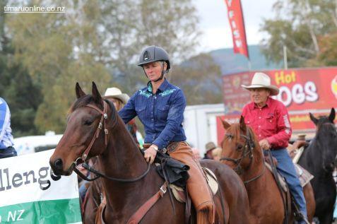 Mackenzie Show Grand Parade 0031