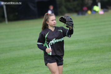 Womens Softball 0021