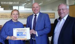 Rosie Knoppel (Aoraki Multicultural Council), Mayor, Damon Odey, and United Way NZ CEO Don Oliver.