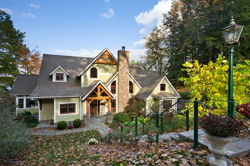 5292 square foot Douglas Fir Timber Frame Home with 4 bedrooms and 3.5 bathrooms