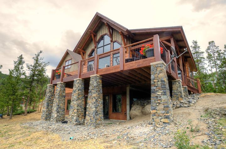 Colorado mountain homes timber frame homes of the west for Mountain home builders colorado