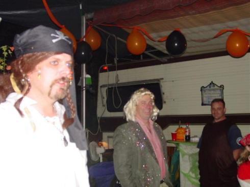 20041030_TT_HalloweenParty_33