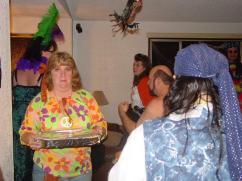 20041030_TT_HalloweenParty_39