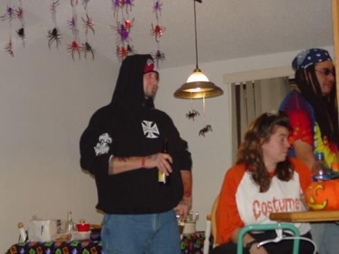 20041030_TT_HalloweenParty_54