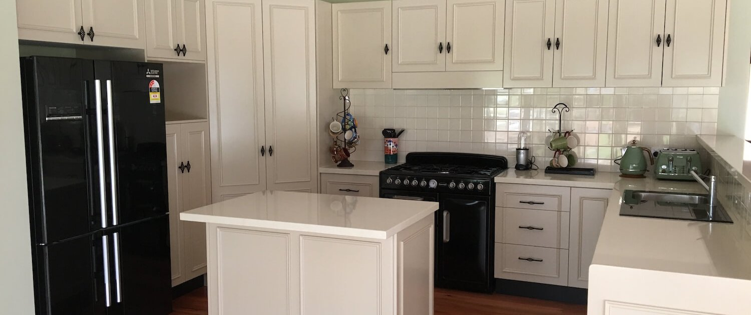 Timbertown Kitchens Country Style Painted Doors