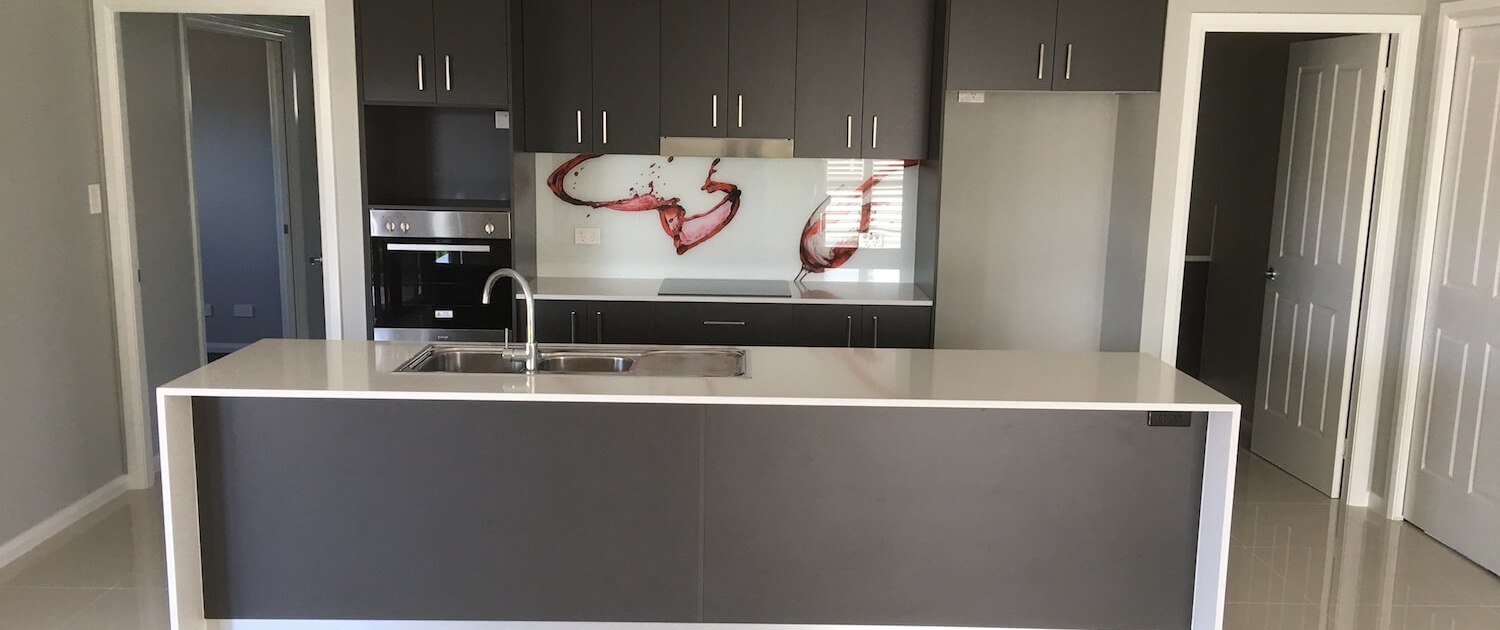 Timbertown Kitchens Wine Splash Glass Splashback