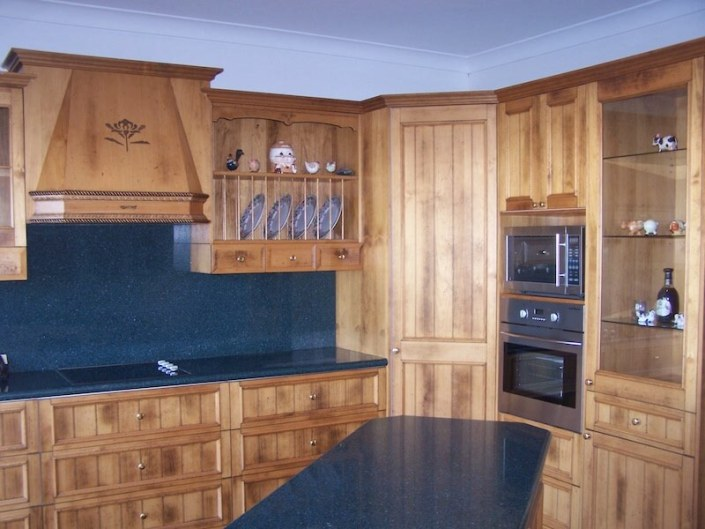 Solid Timber Kitchen with Farmer Doors