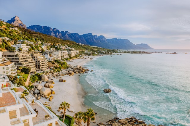 Best beaches for bookworms - cape town