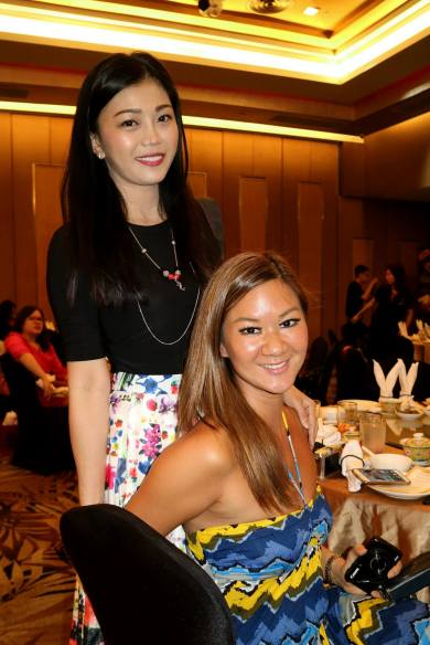 Popular bloggers Kelly Chin and Umei