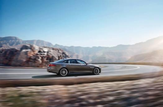 Jaguar XF Sport (5)