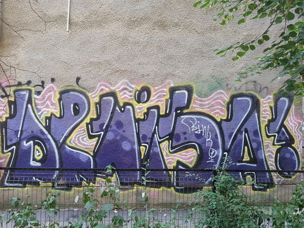 mopana-nice-graffiti-01