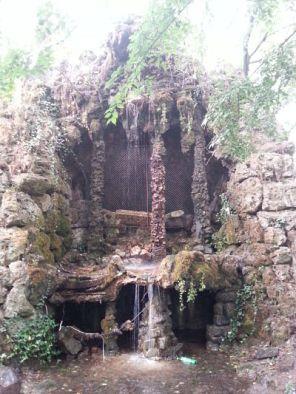 mopana-waterfall-cave-park-04
