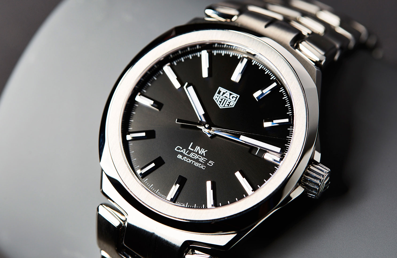 The Sleek New TAG Heuer Link Calibre