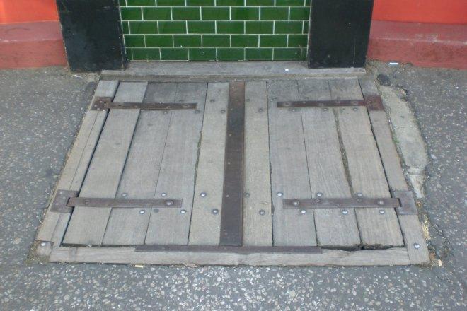 pub trap door