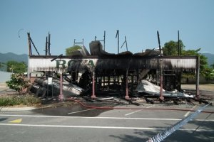 royal hotel mossman fire after 2011