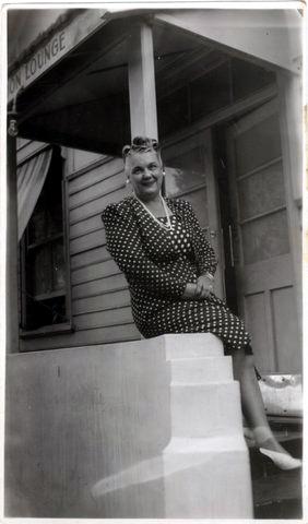 Hilda Condon OutsideLondonHotelLounge Victoria
