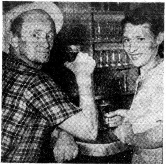 woman-bar-1952