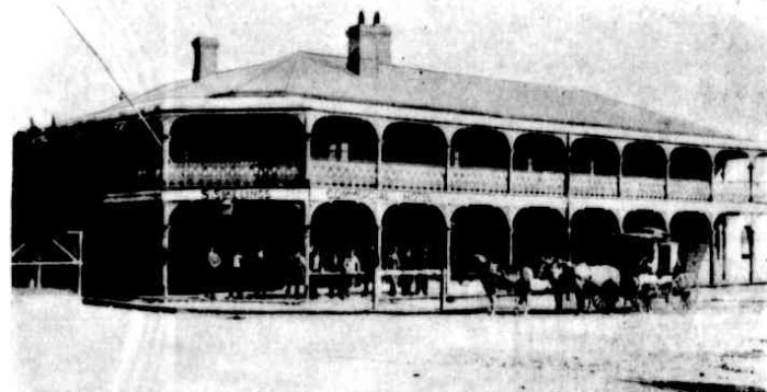 commercial hotel hillgrove