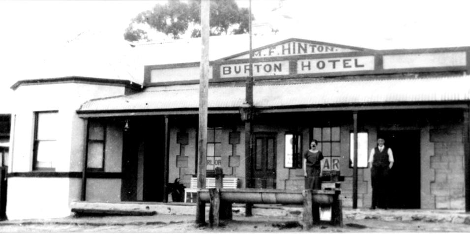 Burton Hotel, Manoora