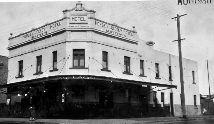 Horse & Jockey Hotel Homebush 1930 anu