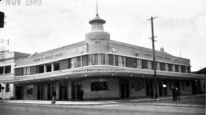 Horse & Jockey Hotel Homebush 1940 anu