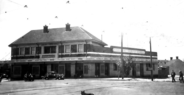 General Gordon Hotel december 1933