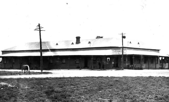 Federal Hotel Bourke 1954 ANU