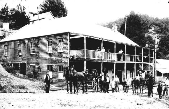 commercial hotel woods point victoria 1925