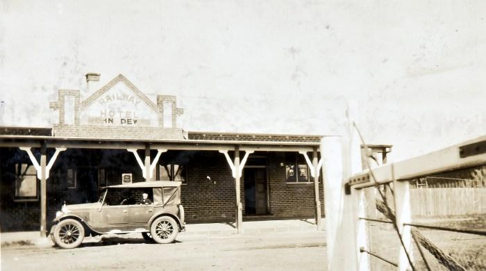 Railway Hotel Spring Hill 1924 ANU