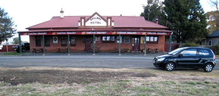 railway hotel Spring Hill car